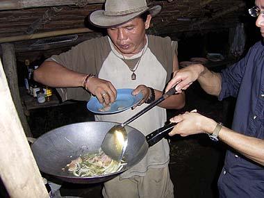 カレン族夕食