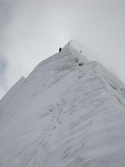 080503アイランドピーク直下の雪稜
