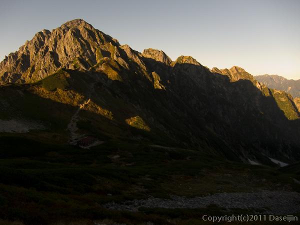 110924夕日に映える剱岳