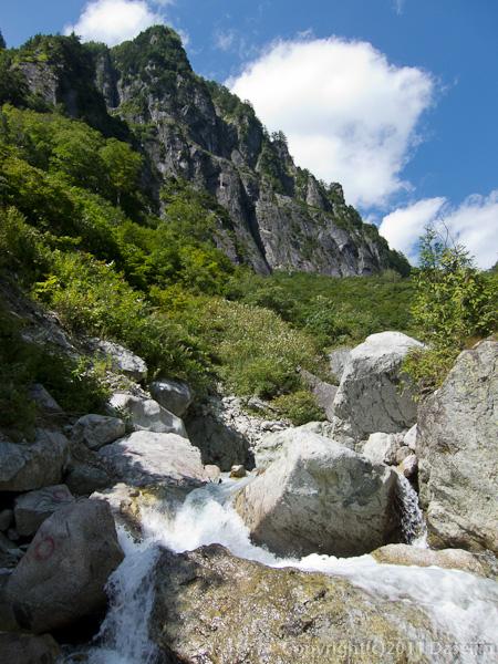 110925丸山の岩壁