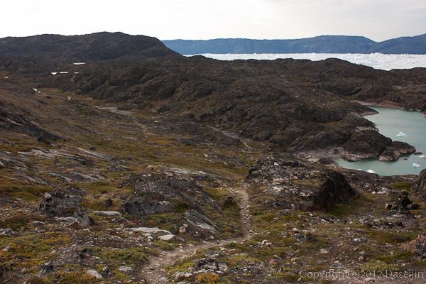 120813アイスランド、グリーンランドの旅・入り江から先は踏み跡