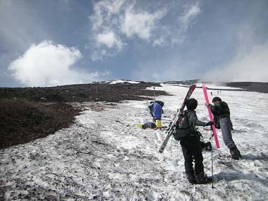 090523富士山滑降終了点1