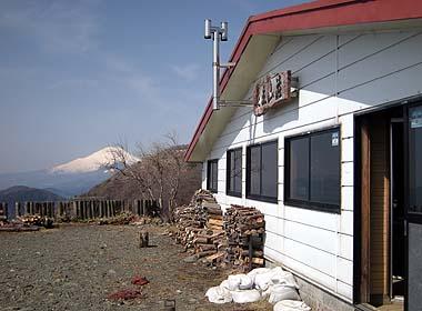 080329花立山荘