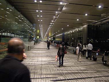 090425シンガポール空港
