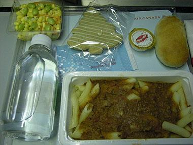101225機内食夕食2