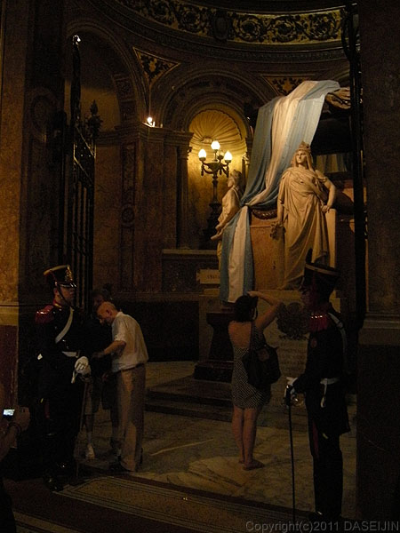 101227ブエノスアイレス・大聖堂サンマルティン将軍