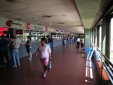 101227ブエノスアイレス・バスターミナル2Fチケット売り場