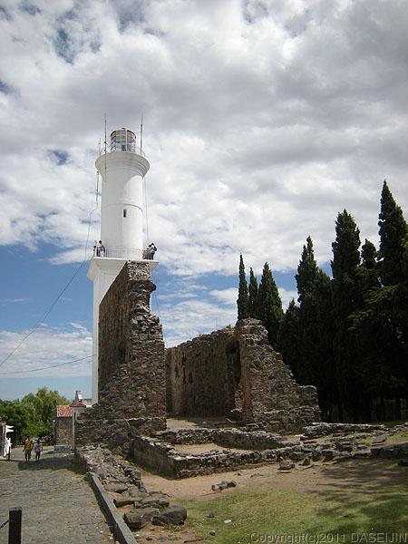 110108コロニア・デル・サクラメント、灯台