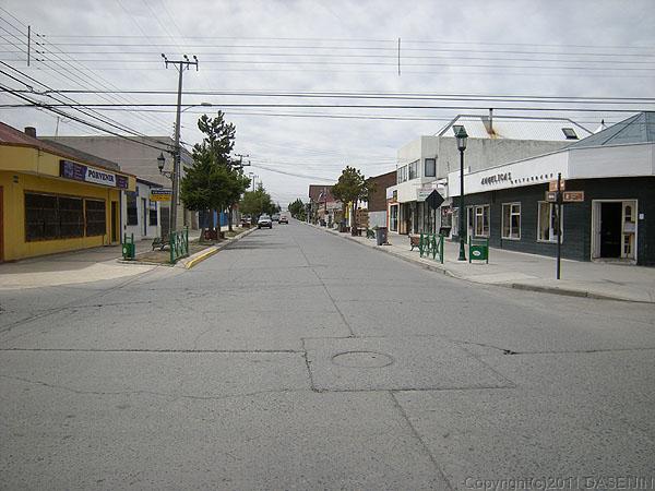 110101元旦、人気のないプエルト・ナタレスの街