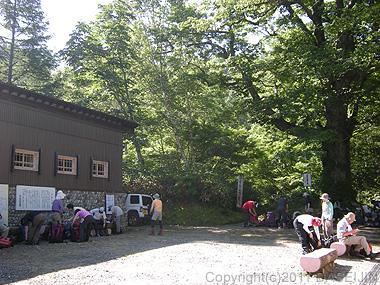 110716太郎平への折立登山口