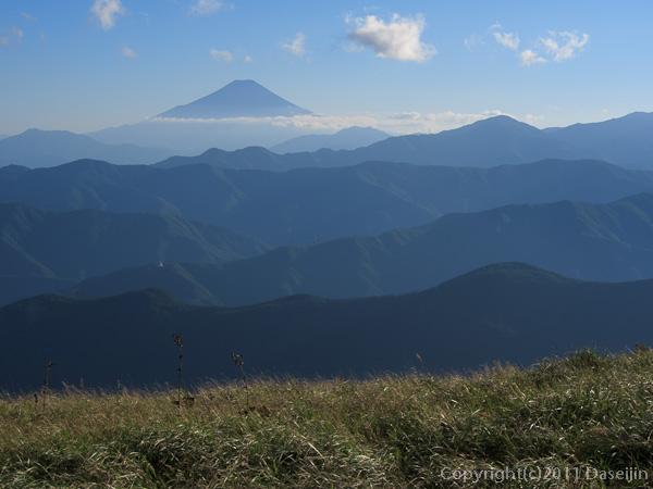 110918鷹ノ巣谷・やぶ抜け富士山