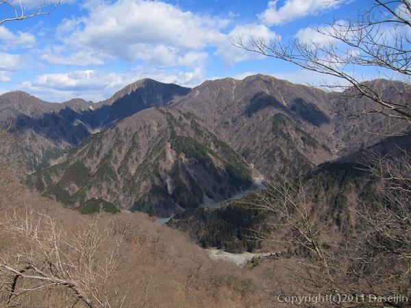 120407丹沢・撮影スポットから蛭ヶ岳