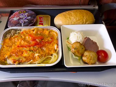 120803アイスランド、グリーンランドの旅・機内食、夕食