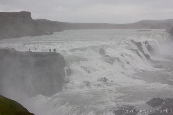 120805アイスランド、グリーンランドの旅・グトルフォスの滝