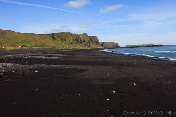 120806アイスランド、グリーンランドの旅・Vikの海岸2