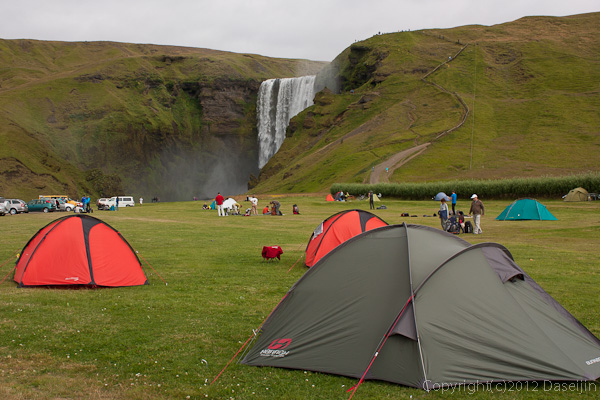 120806アイスランド、グリーンランドの旅・Skogarfossとキャンプ場