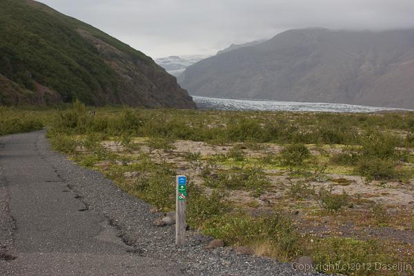120806アイスランド、グリーンランドの旅・スカフタフェットル氷河入り口