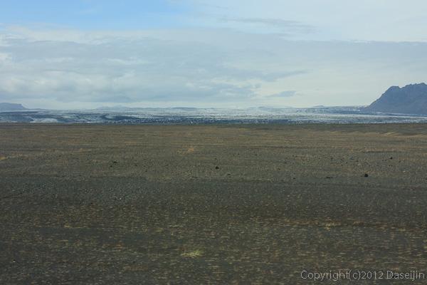 120806アイスランド、グリーンランドの旅・Skeiðarársandurの氷河