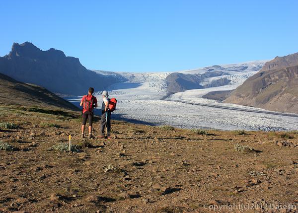 120807アイスランド、グリーンランドの旅・シヨゥナルトゥニィパに到着