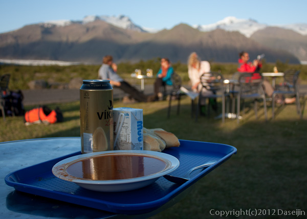 120807アイスランド、グリーンランドの旅・本日のスープとライトビール