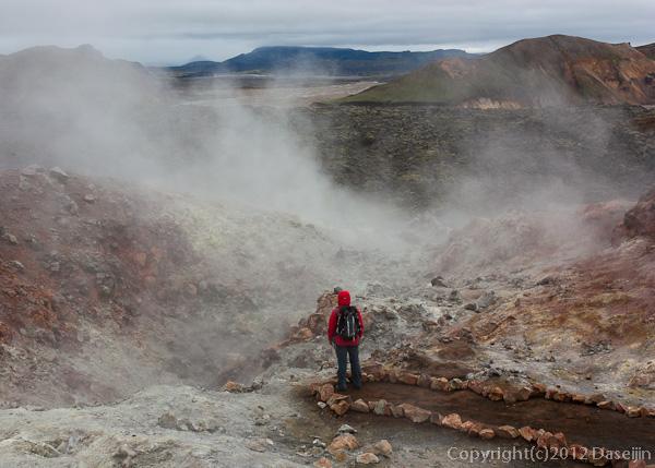 120809アイスランド、グリーンランドの旅・噴気孔