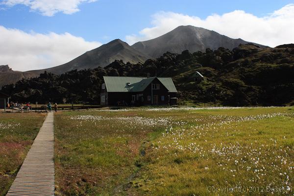 120808アイスランド、グリーンランドの旅・ランドマンナロイガルの山小屋
