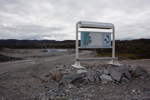 120810アイスランド、グリーンランドの旅・イルリサット空港から市街へ