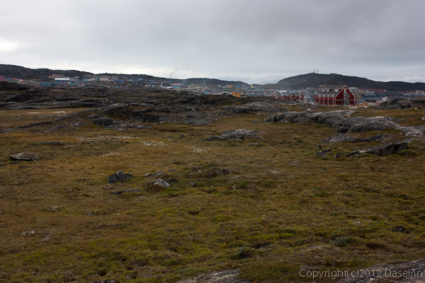 120810アイスランド、グリーンランドの旅・踏み跡をたどって市街へ