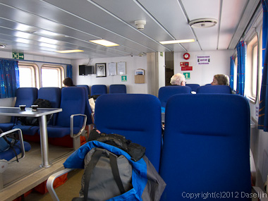 120812アイスランド、グリーンランドの旅・氷河クルーズ船内