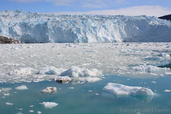 120812アイスランド、グリーンランドの旅・eqip氷河