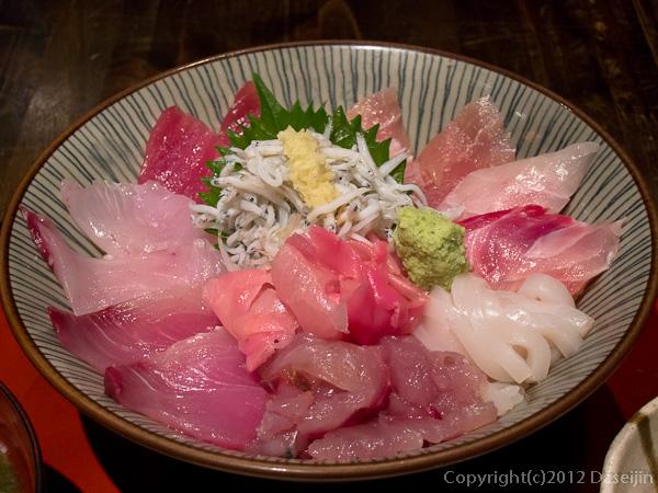 120901伊東・まるげんの海鮮丼