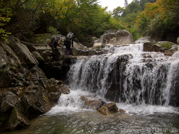 121006恋ノ岐・小滝も次々と現れる