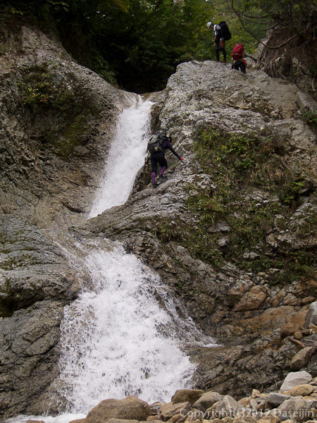 121006恋ノ岐・小さい滝が多いがどれも登れる