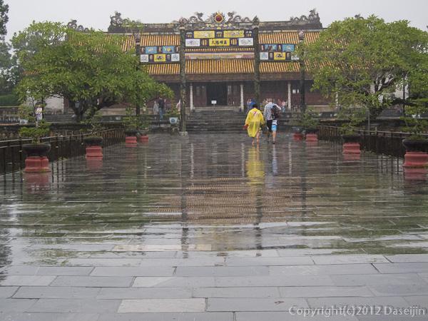 121114ベトナム・フエ太和殿