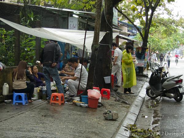 121116ベトナム・路上レストラン