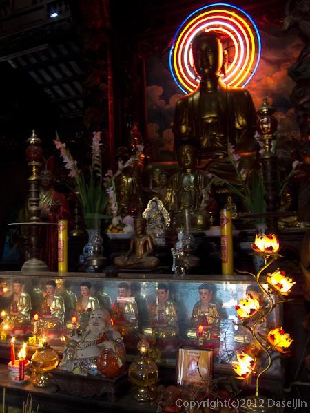 121118ベトナム・ヴィンチャン寺仏像